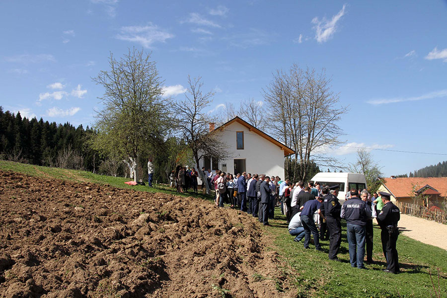 RHP BiH stakeholders and Donors visited another family in Olovo, which also moved into newly reconstructed house today