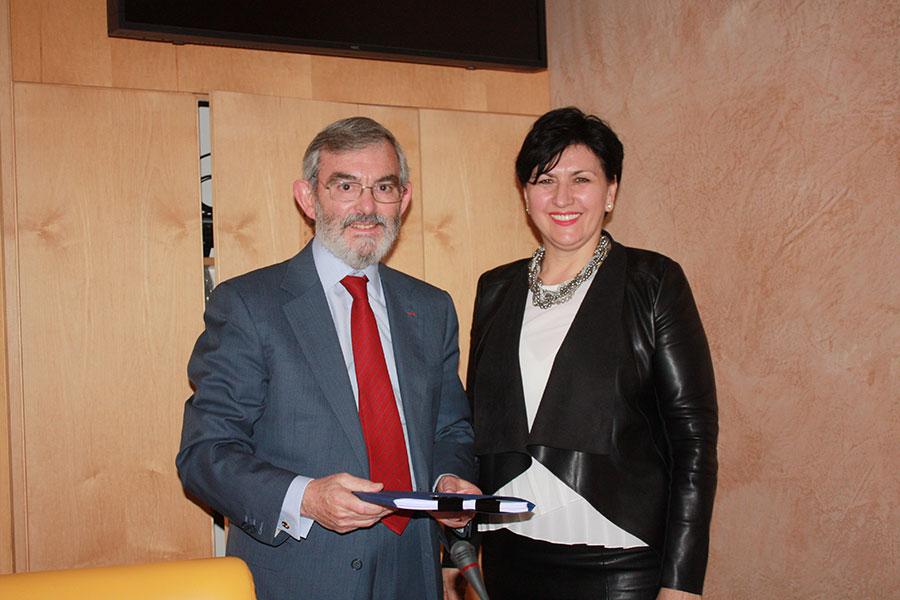 Minister Borovac with CEB Vice-Governor Ruiz Ligero