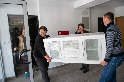 RHP beneficiaries move into their new homes in Tuzla